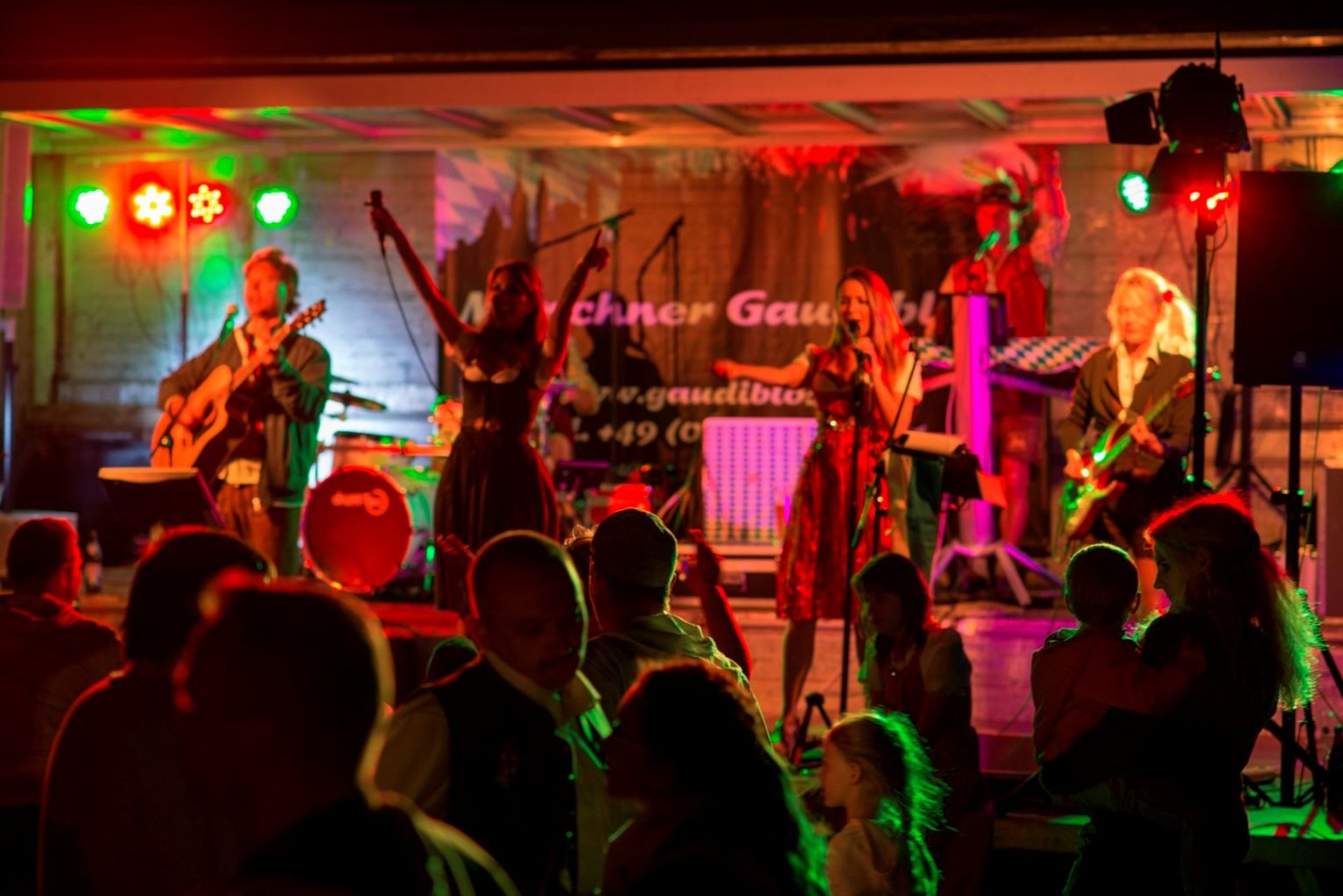 Sonnwendfeier Neubiberg Oktoberfestband